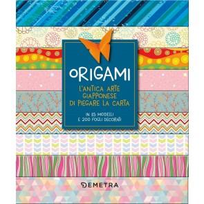 Origami box. L'antica arte giapponese di piegare la carta. Con gadget